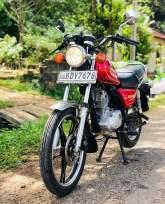 Suzuki GN125E