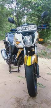 Yamaha FZ V.1